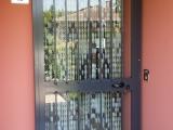 P04 Porta inferriata ad un anta in stile classico