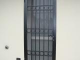 P07 Porta inferriata ad un anta in stile classico